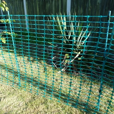 Green Plant Support Stakes Fencing Pins With Free Clips