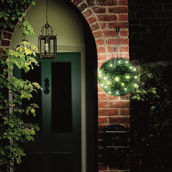 Lit Topiary Ball Leaf Effect 30cm or 40cm