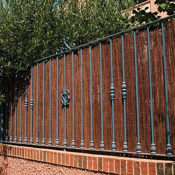 Premium Air Dried Willow Natural Wood Fence Privacy